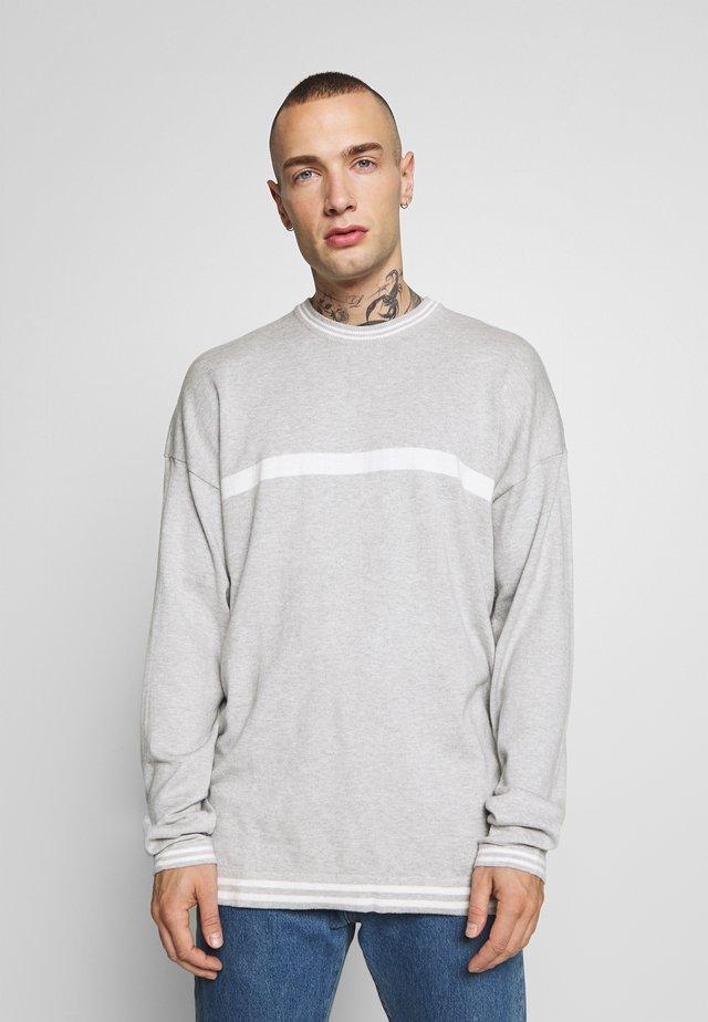 ONSNAVID BOXY CREW NECK  - Jersey de punto - light grey melange