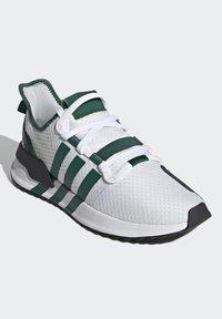 adidas Originals - U_PATH RUN UNISEX - Tenisky - crystal white/collegiate green/core black - 2