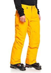 Quiksilver - ESTATE - Snow pants - flame orange - 3