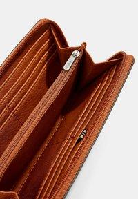 Esprit - Wallet - rust brown - 2