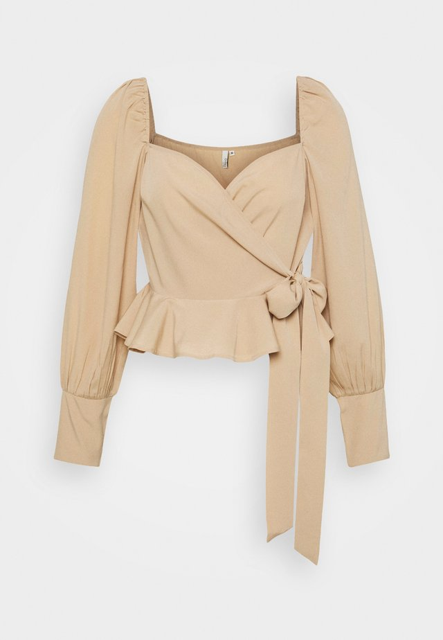 WRAPPED AROUND LOVE BLOUSE - Bluser - beige