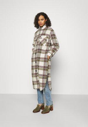 LONG COAT  - Classic coat - white