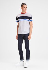 Jack & Jones - SCHLICHTES REGULAR - T-shirt z nadrukiem - white - 1