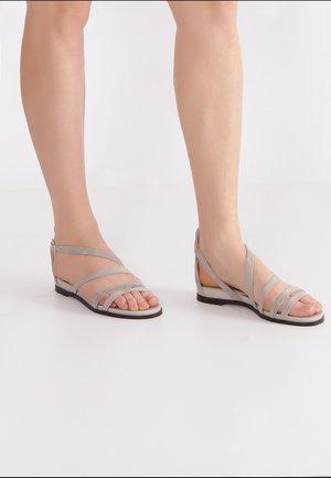 MIT RIEMCHEN - Sandals - ash grey
