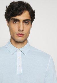 Marc O'Polo - LONG SLEEVE FLATLOCK DETAILS - Polo shirt - winter sky - 3