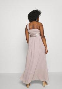 Dorothy Perkins Curve - SADIE SHOULDER DRESS - Společenské šaty - mink - 3