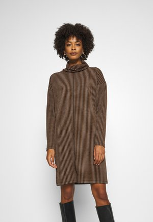 WABINA PEPITA - Jumper dress - peanut