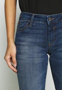 Mavi - LINDY - Slim fit jeans - dark brushed glam - 5