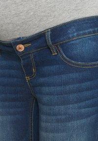 Pieces Maternity - PCMLILA - Jeans slim fit - dark blue denim - 5
