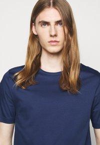 Tiger of Sweden - OLAF - T-shirt basique - atlantic blue - 3