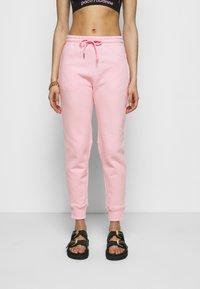 Paco Rabanne - Spodnie treningowe - pink - 0
