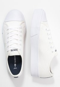 Lacoste - ZIANE PLUS GRAND 120 2CFA - Tenisky - white/navy - 3