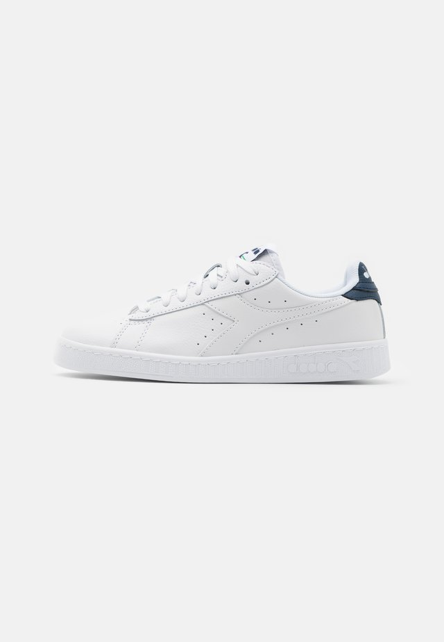 GAME OPTICAL UNISEX - Sneakersy niskie - white/blue dark denim
