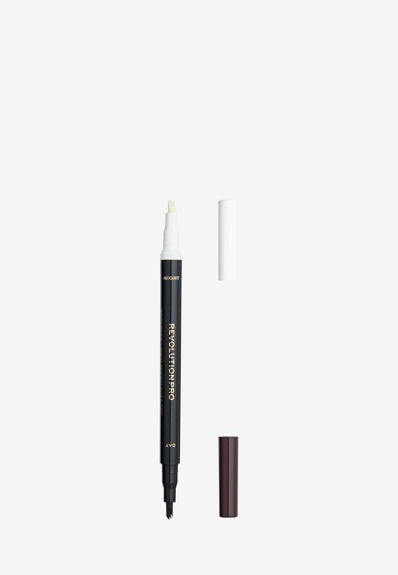 Revolution PRO - 24HR DAY & NIGHT BROW PEN - Eyebrow pencil - dark brown