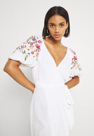 WHITE MEADOW DRESS - Maxi dress - white