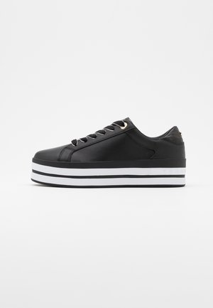 CROC PRINT  - Trainers - black
