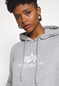Alpha Industries - NEW BASIC  - Hoodie - grey heather - 3