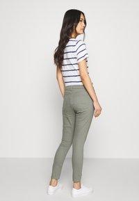 GAP - FAVORITE RINSE - Jeans Skinny Fit - vintage palm - 2