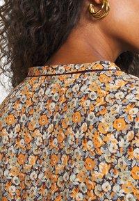 Rich & Royal - DRESS WITH SHINY DETAILS - Denní šaty - deep blue - 5
