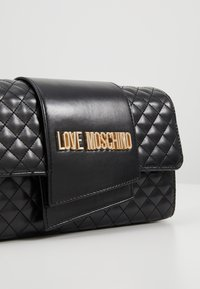 Love Moschino - Across body bag - nero - 6