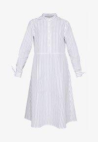 ALASKA - Vestido camisero - white