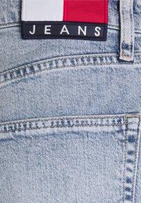 Tommy Jeans - DAD JEAN REGULAR TAPERED - Jeans straight leg - denim - 6