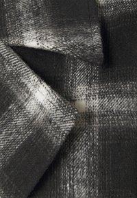 Missguided - GRID FORMAL - Trenchcoat - black - 2