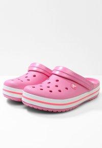 Crocs - CROCBAND RELAXED FIT - Sandalias planas - pink lemonade / white - 3