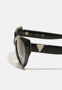 Guess - Sunglasses - shiny black/gradient smoke - 4