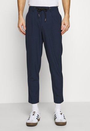 SLHSLIMTAPE MADLEN PIN PANTS - Tygbyxor - dark blue