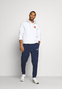 Nike Sportswear - MODERN  - Tracksuit bottoms - midnight navy - 1