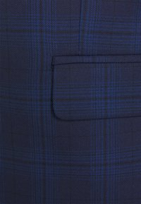 Isaac Dewhirst - CHECK SUIT - Oblek - blue - 6
