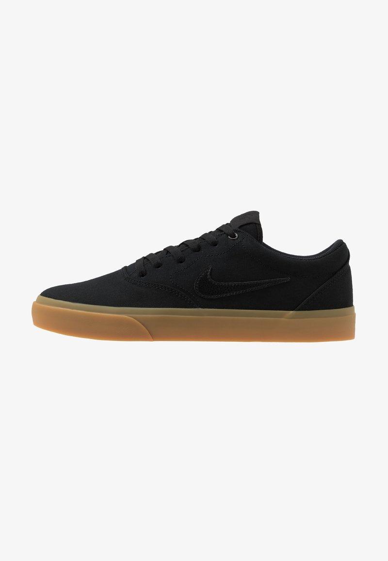 Nike SB - CHARGE - Sneakersy niskie - black/light brown