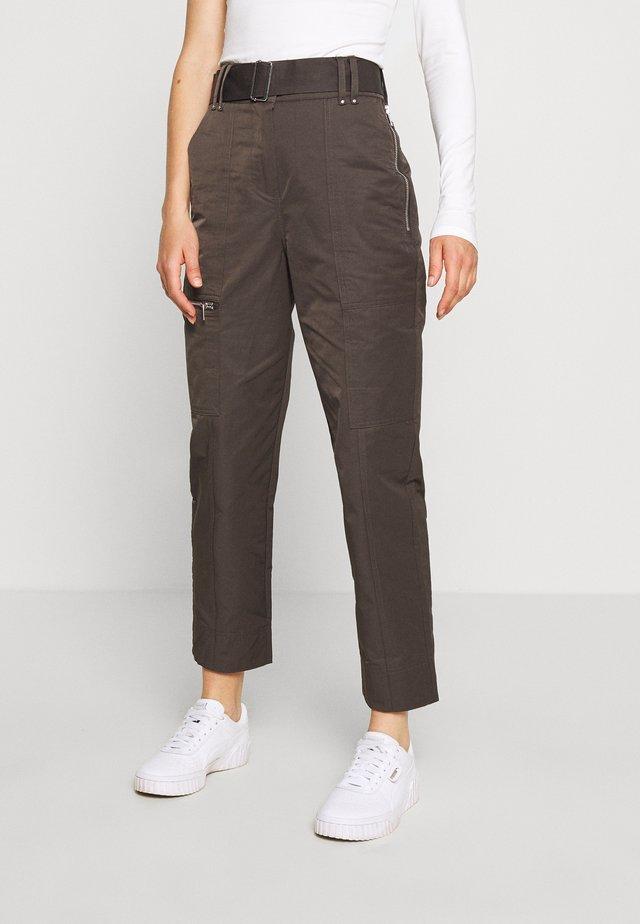 Pantalones - desert luxe