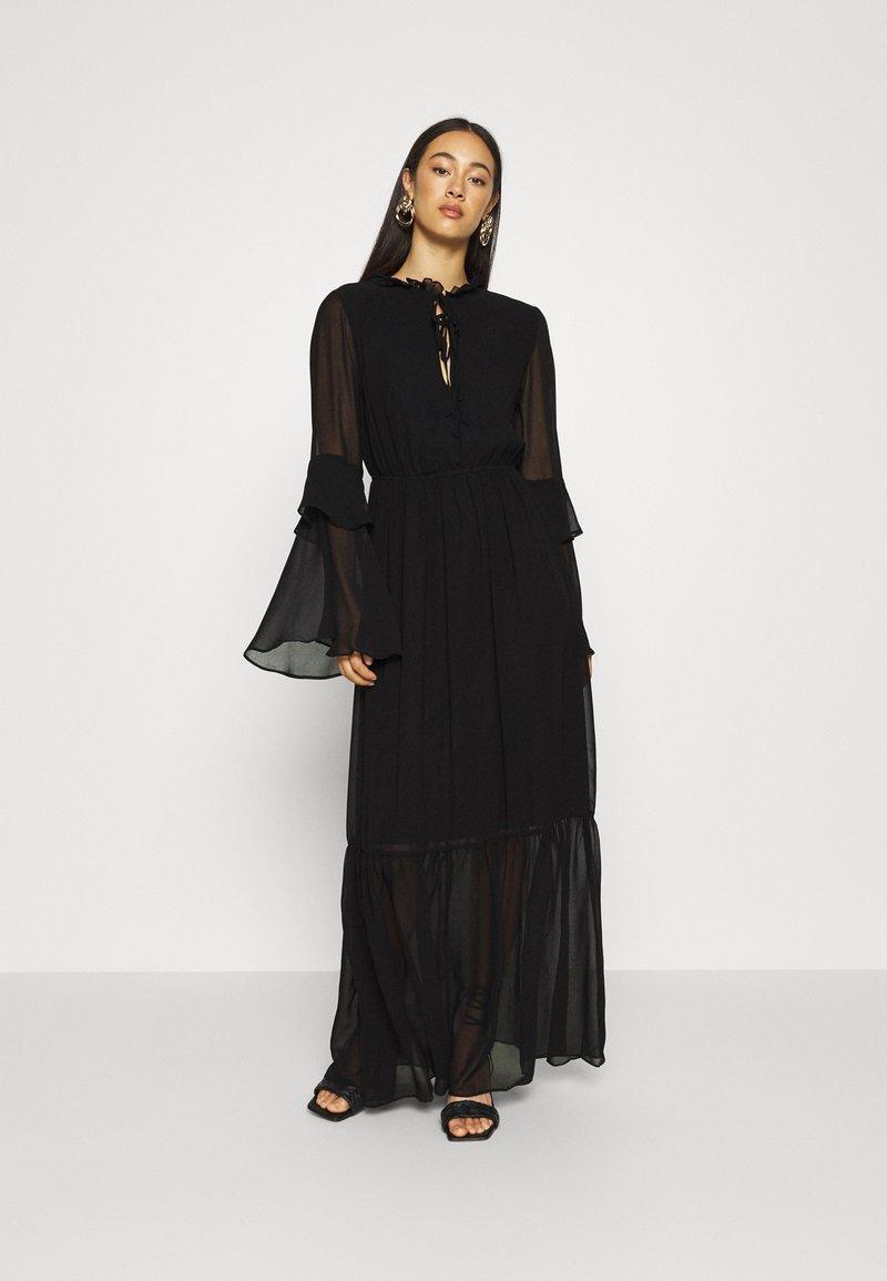 Missguided - TIE NECK TIERED FLOOR SWEEPER DRESS - Robe longue - black