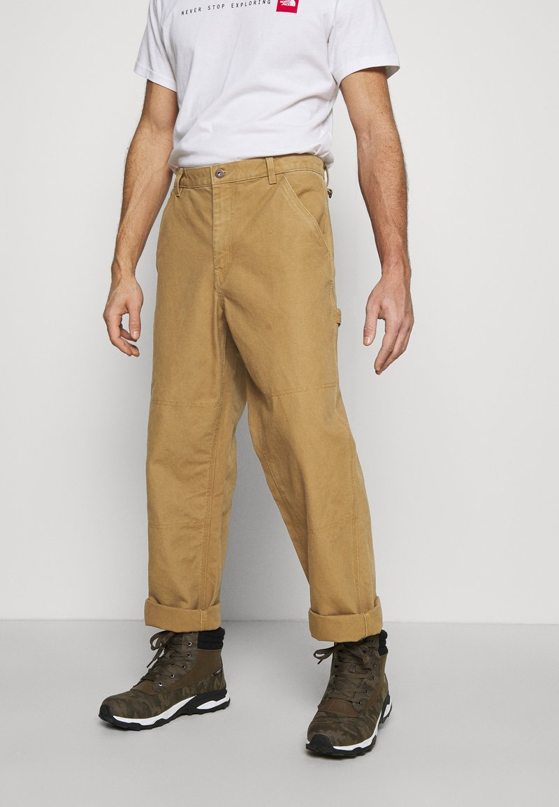 The North Face - BERKELEY  - Trousers - utility brown