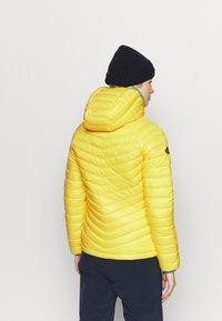 Superdry - ALPINE PADDED MID LAYER - Skijakker - blazing yellow - 2