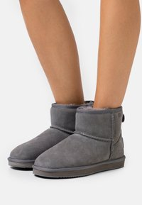 Mexx - BOBBY JANE - Classic ankle boots - grey - 0