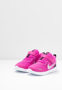 Nike Performance - REVOLUTION 5 UNISEX - Neutral running shoes - active fuchsia/metallic silver/black - 3
