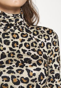 Pieces - PCNALA TURTLE NECK - Long sleeved top - natural - 6