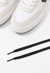 Converse - NET STAR CLASSIC - Trainers - white/black/egret - 5
