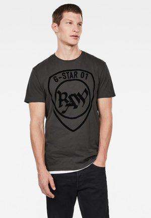 GRAPHIC LOGO ROUND NECK - T-shirt print - raven