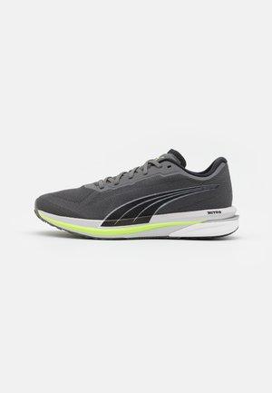 VELOCITY NITRO - Neutral running shoes - castlerock/black/green glare