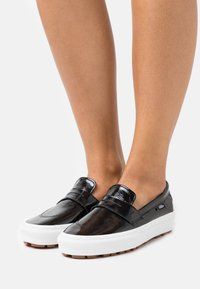 Vans - STYLE - Trainers - black/true white - 0