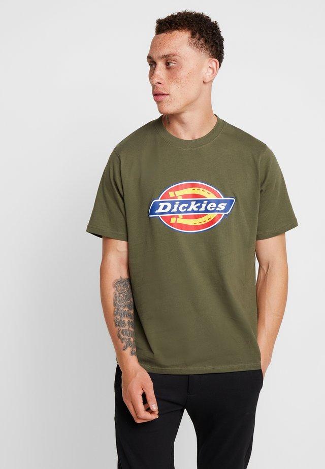HORSESHOE TEE - Camiseta estampada - dark olive