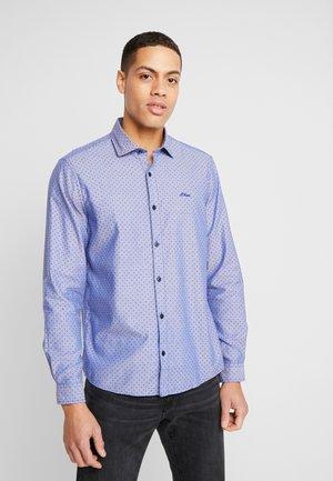 Košile - cluster