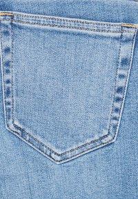 Diesel - SLANDY-LOW-ZIP - Jeans Skinny Fit - light blue - 3