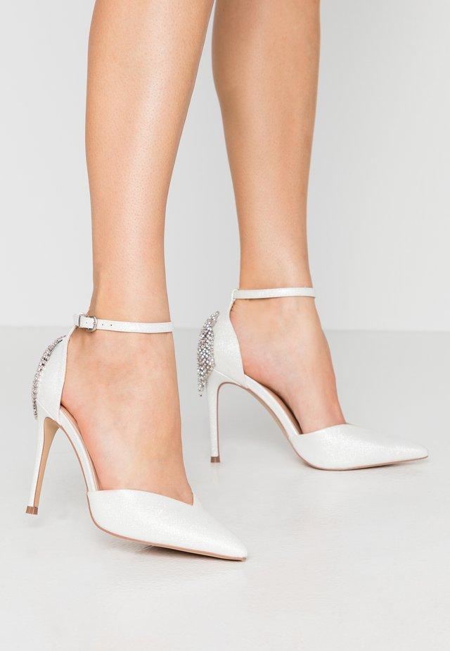 CLEMETIS - High Heel Pumps - white shimmer