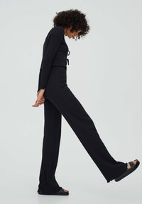 PULL&BEAR - GERIPPTE - Trousers - black - 4