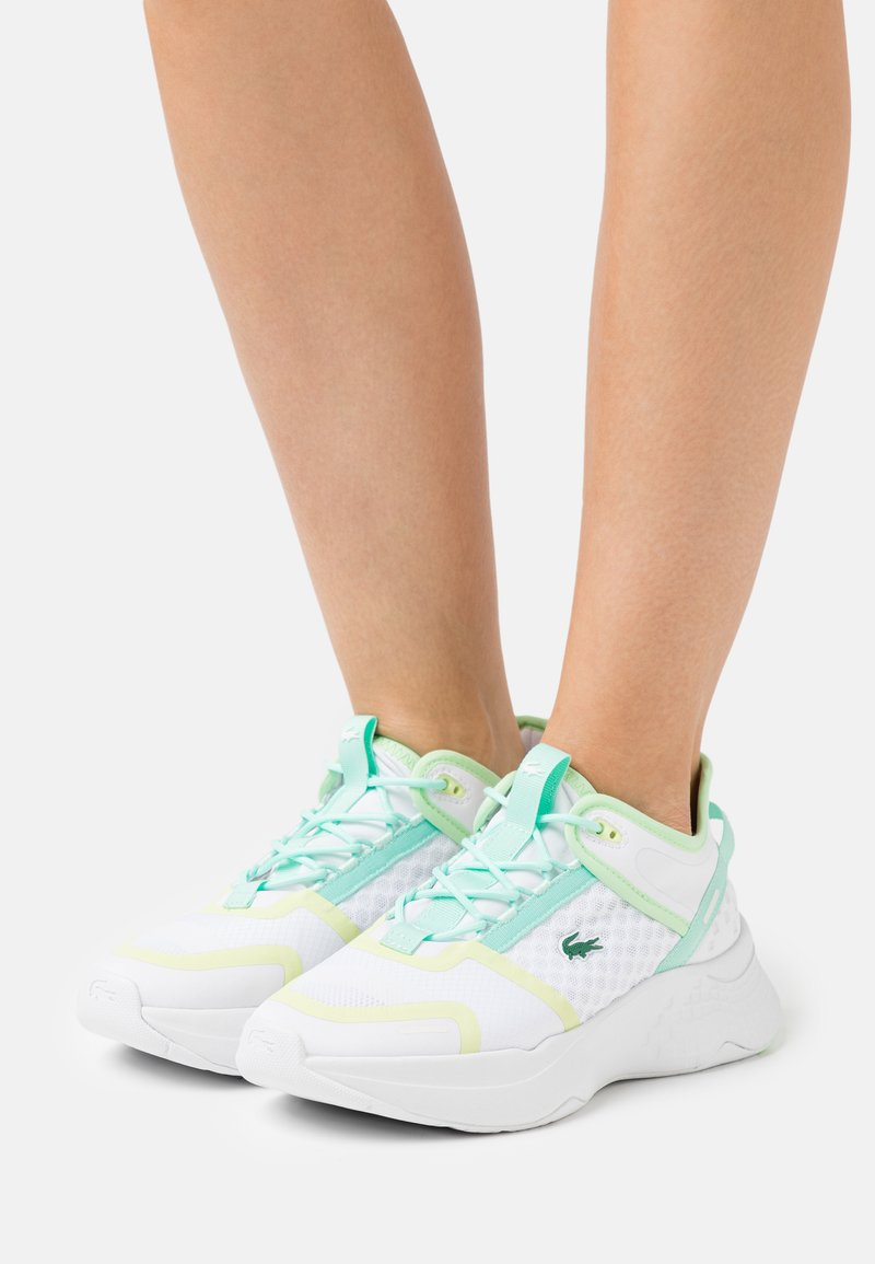 Lacoste - COURT DRIVE  - Baskets basses - white/light yellow